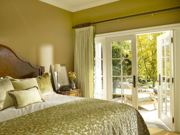 original_Sarah-Barnard-green-bedroom_s4x3_lg