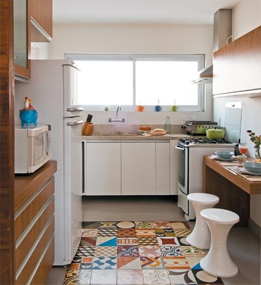 cozinha+piso+tapete+ladrilho+hidraulico