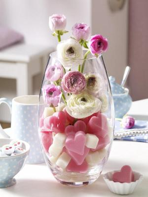 table-decoration-idea-valentines-day-project-glass-vase-fresh-flowers-diy-masters
