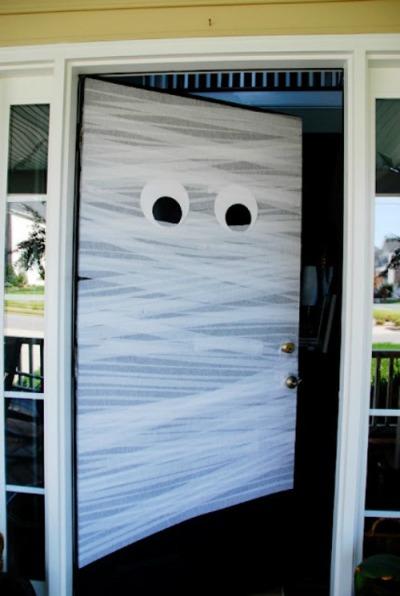 mummy-door