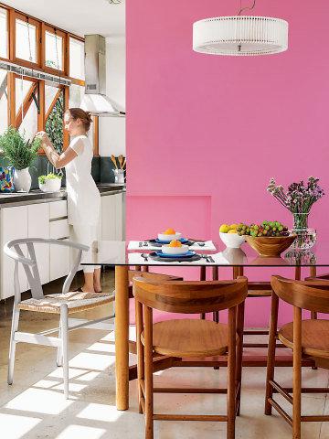130-cores-na-decoracao-casa-decorada-nos-tons-de-rosa-e-berinjela-01