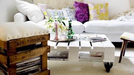 mesa-de-centro-de-pallet-e-pufe-banco-biblioteca-feito-de-madeira-de-pallet