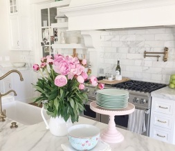 lush-fab-glam.com spruce up your home decor with fabulous flowers 5